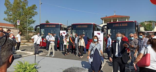 La presentazione di nuovi bus a Roma