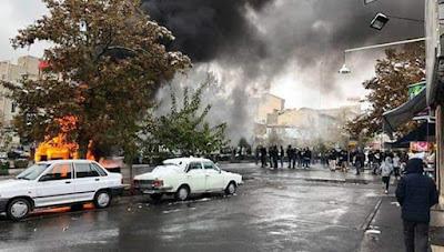 """مظاهرات ومواجهات في منطقة """"طهران بارس"""" واصفهان وسيرجان في اليوم العاشر للانتفاضة"""