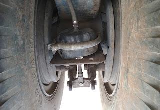 Cara Mencegah Dan Mengatasi Truck Trailer Dolly Kandas Saat Melewati Perlintasan KA