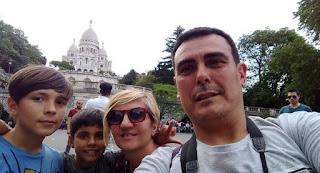 París, barrio de Montmartre.Basílica de Sacre Coeur o Basílica del Sagrado Corazón.