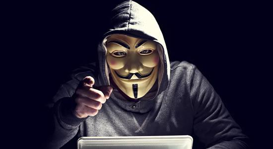 """Grupo hacker anuncia """"vaga de emprego"""" com salário de R$ 240 mil por mês"""