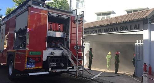Showroom ô tô Mazda Gia Lai bất ngờ bị hỏa hoạn