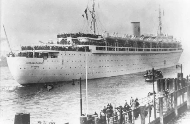 """100 years ago the ship """"Africa"""" sank after having sailed from France on a trip to Ivory Coast."""