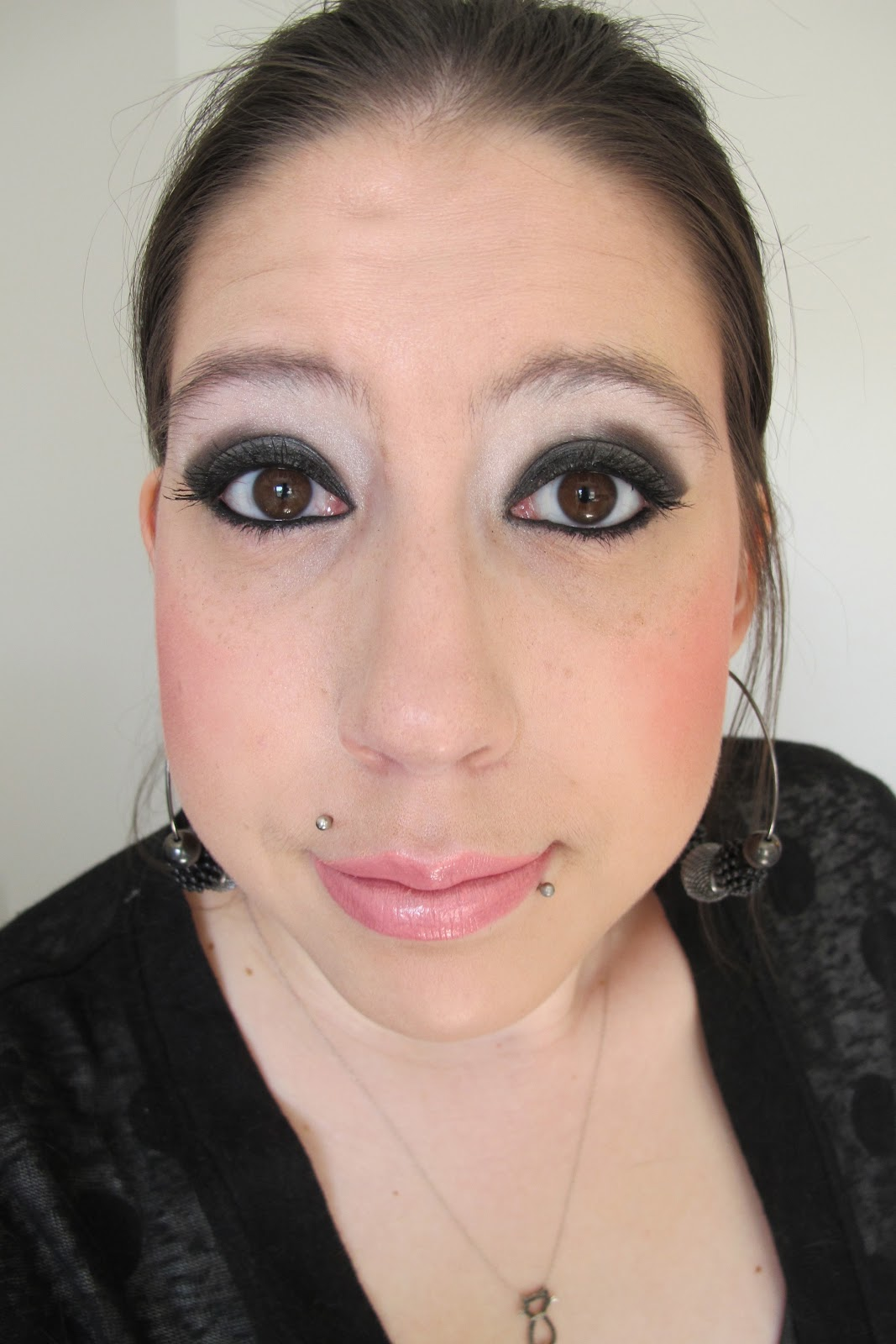 Steph Stud Makeup Too Faced Smokey Eye Palette And Outfit