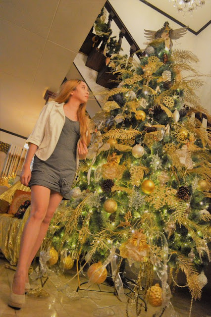 Christmas tree in casa eros muebles