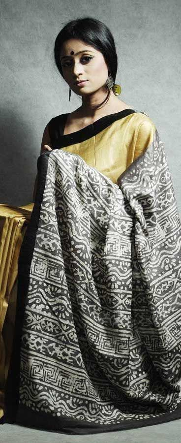 Bengali Model Girl In Tangail Handloom Saree. All Golden With Black Border.