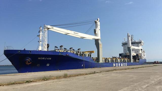 Στο λιμάνι της Αλεξανδρούπολης το πρώτο πλοίο με μηχανήματα για την κατασκευή του αγωγού TAP
