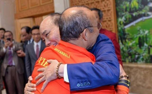 HLV Park Hang-seo: 'Tôi xin gửi vinh quang này cho nhân dân Việt Nam'
