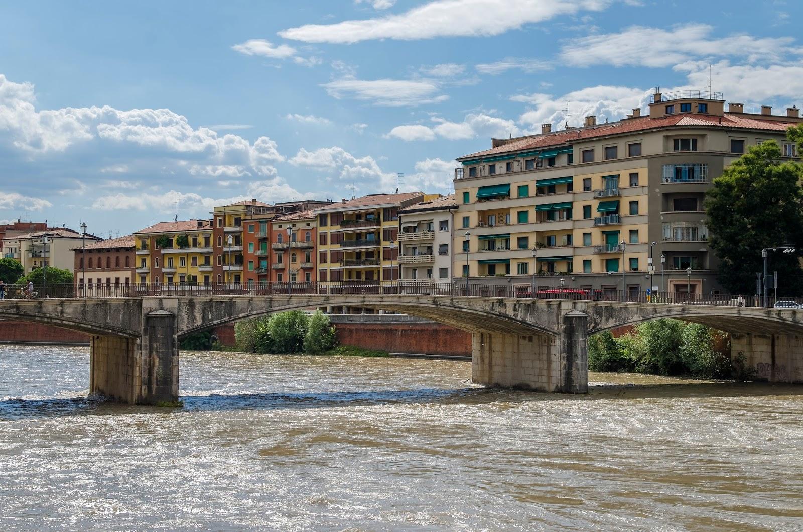 Vérone City Trip Italie Adige