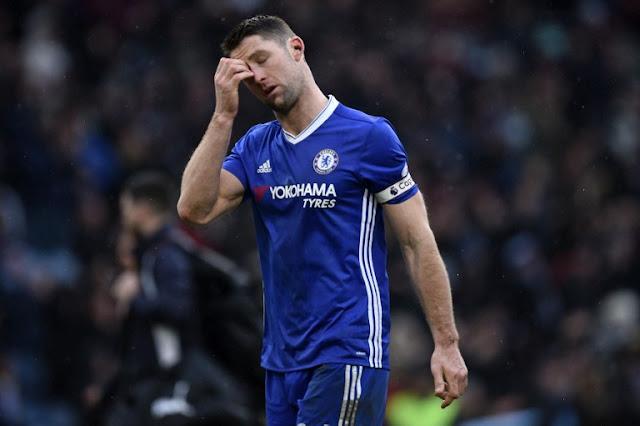 Chelsea saiu na frente mas tomou o empate após um belo gol de falta (Foto: OLI SCARFF/AFP)