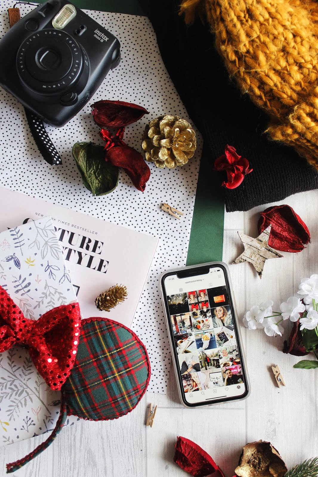 20 blog post ideas for blogmas - see the stars