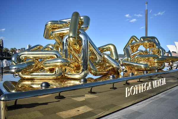 BIG Gold Chain - The Rocks Sydney