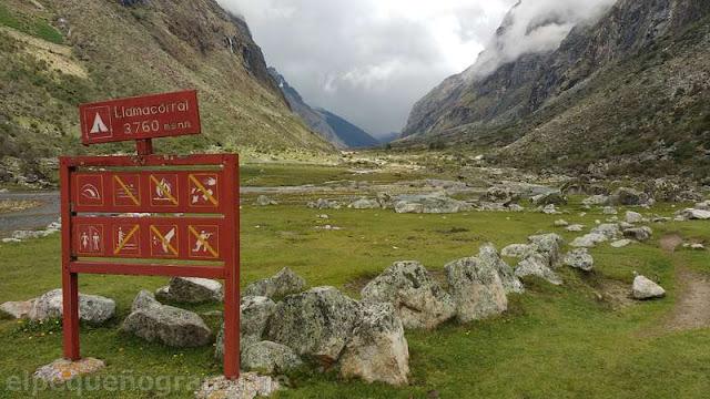Llamacorral, trek, dia 1, santa cruz, parque, huascaran, valle, campamento