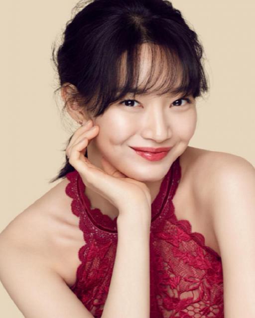 Biodata Shin Min Ah