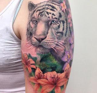 Tato Harimau di lengan wanita