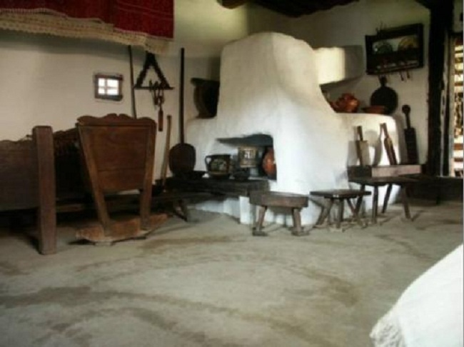 Victor Vurtejanu  Cautam interior casa taraneasca