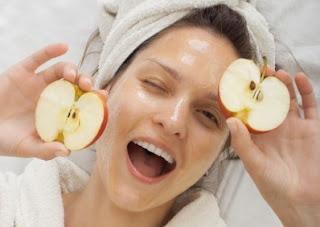 Cara Membuat Masker Apel dan Manfaatnya Untuk Mencerahkan Wajah