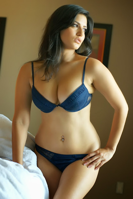 Sunny Leone is sexy AF