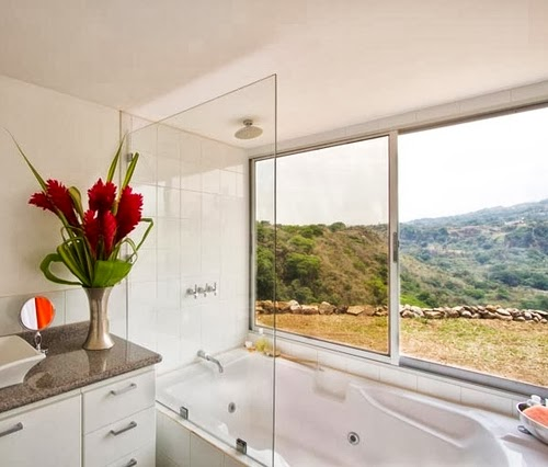 13-Bath-with-a-View-Recycled-Container-House-Architect-Benjamin-Garcia-San-Jose-Costa-Rica-Solar-Panels-Recycled-Metal-www-designstack-co