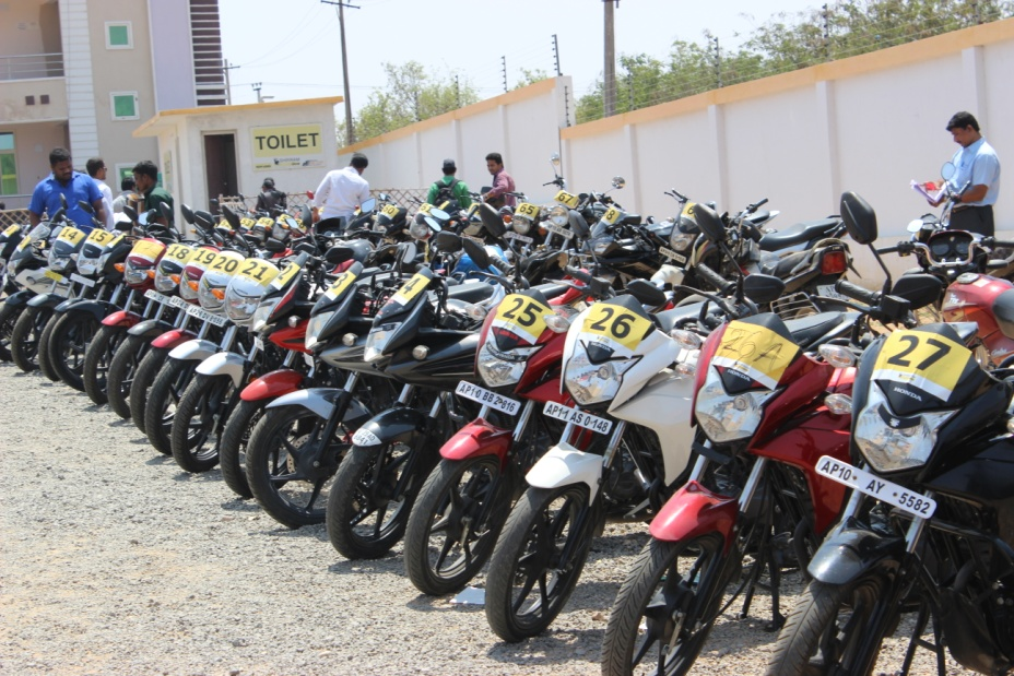 Shriram Automall Power Of Choice Want To Change Your Old Bike Acquire A Used Bike Of Latest Make Model At Shriram Automall