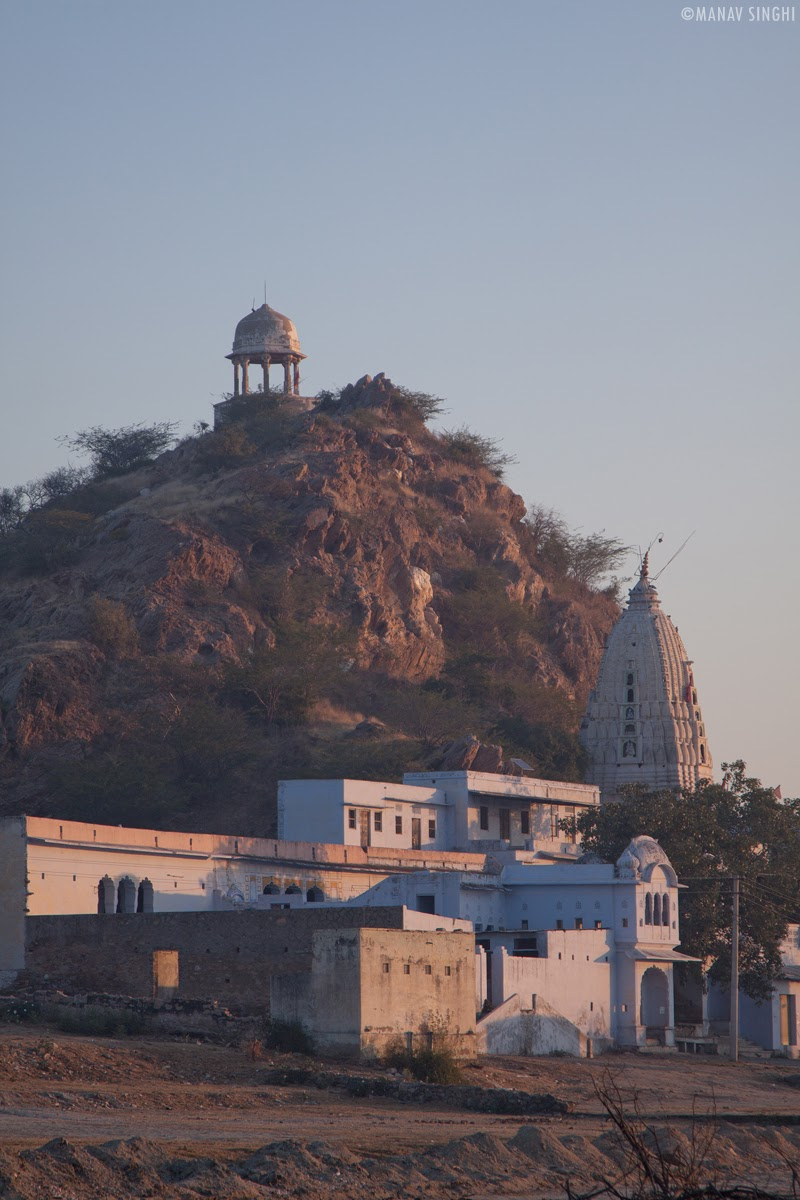 The Cenotaph (Chhatri) on top of the hill and Shakambhari Mata Temple at bottom