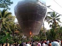Kontroversi Tradisi Menerbangkan Balon Saat Lebaran Ketupat