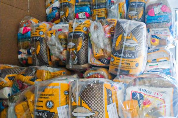 Empresa Vianet doa 100 cestas básicas a famílias em vulnerabilidade social