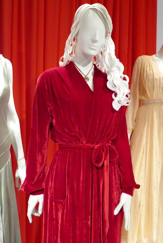Carla Gugino Haunting Hill House Olivia Crain costume