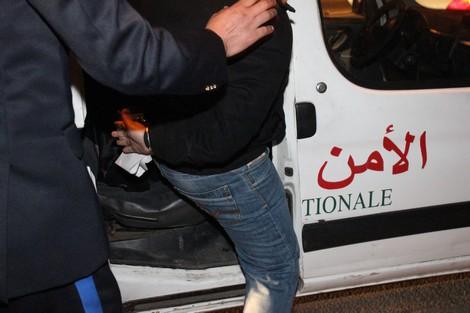 """عزل  عون سلطة """"مقدم"""" شهد لصالح برلماني معتقل في قضية رشوة"""