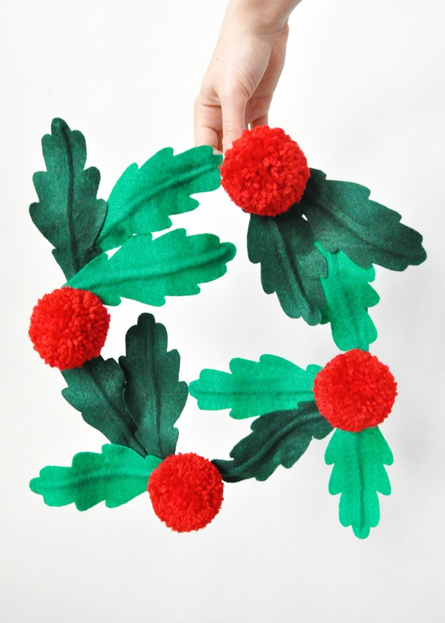 DIY Felt Holly Wreath