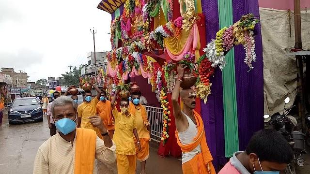 गणेश पूजनोत्सव की निकली कलश शोभायात्रा