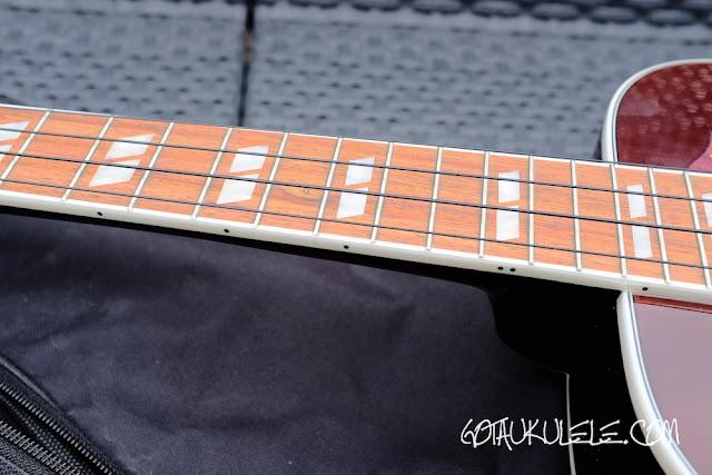 Epiphone Hummingbird Tenor Ukulele fingerboard