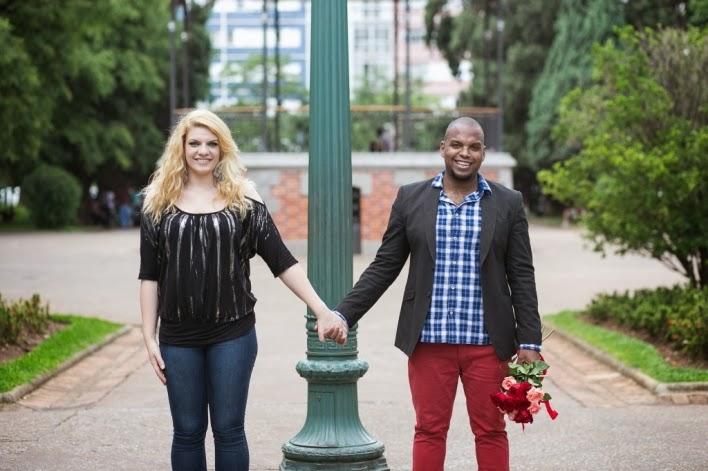 pedido-casamento-surpresa-praça-liberdade-noivos-3