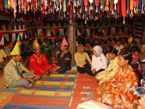 Tradisi Batombe Dari Sumatera Barat