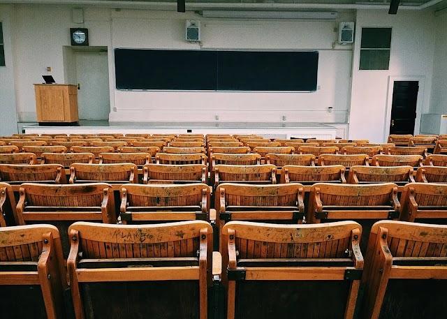 Koronavírus: felfüggesztik az iskolai oktatást Lengyelországban
