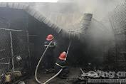 Bình Dương: Hiện trường cháy nhà giữa trưa, 2 trẻ em được giải cứu kịp thời