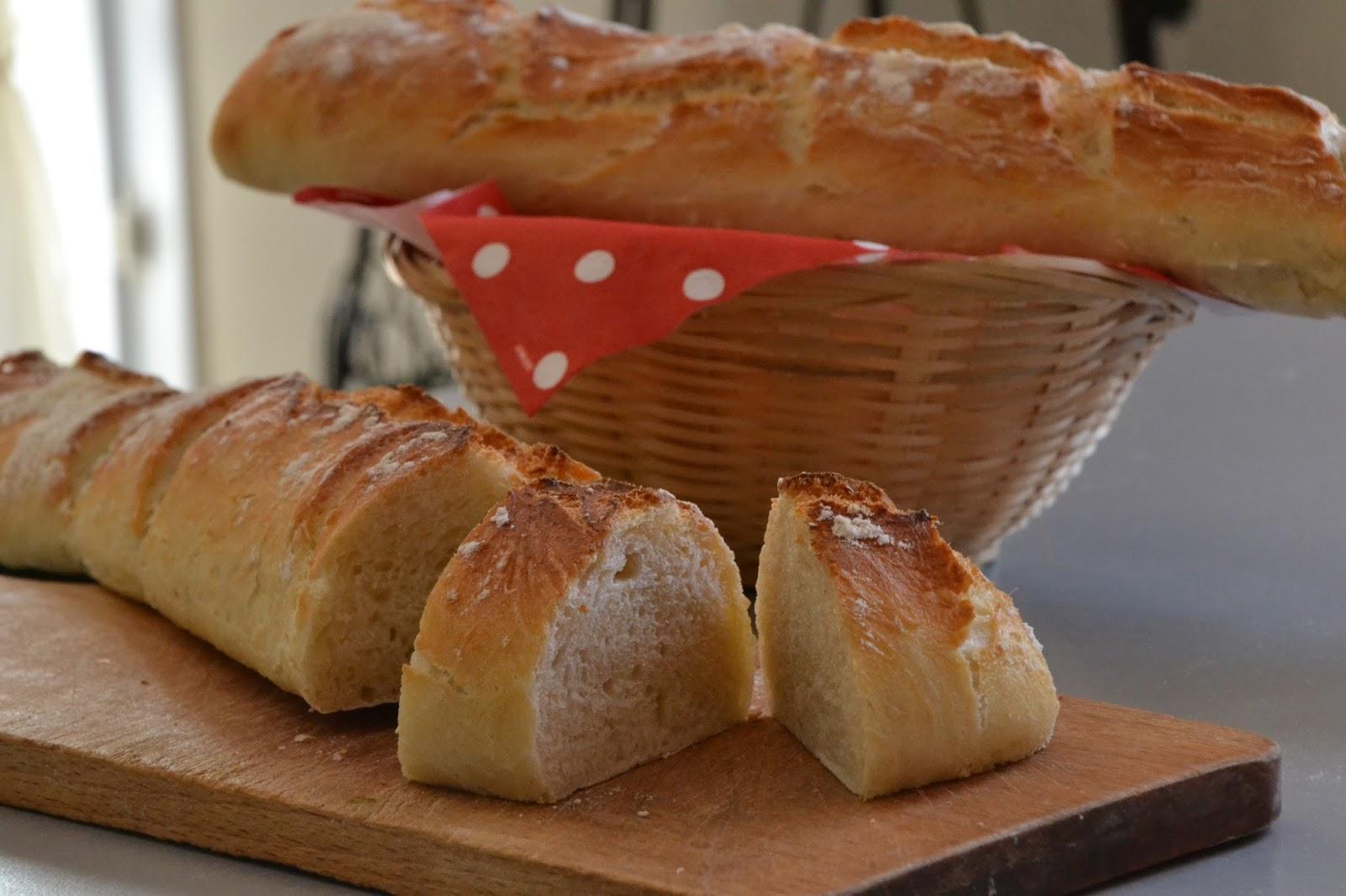 Momo d lice baguettes de pain maison for Baguette de pain maison