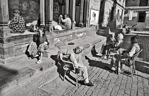 the destitute elderly a photo essay by dan giannopoulos  residents of the home sit in the main courtyard the age range of residents is from mid 60 s to late 90s