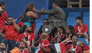 (فيديو)...محاولة لبعض أفراد الأمن طرد الفنانة سما المصري من المدرجات بسبب اثارة الجمهور