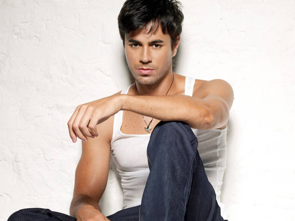 Wallpapers Background: enrique iglesias Hot wallpapers