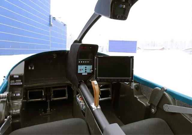Atol 650 cockpit