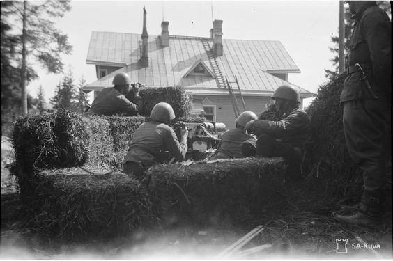 Finnish machine gunners, 12 August 1941 worldwartwo.filminspector.com