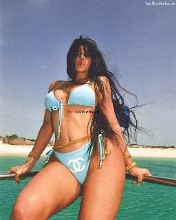 Kylie Jenner in Blue Bikini Exposing Huge  and  WOW bollycelebs.in Exclusive Pics 007