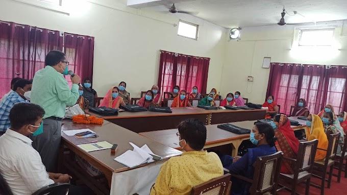 बलिया में समूह सखियों का चार दिवसीय प्रशिक्षण शुरू