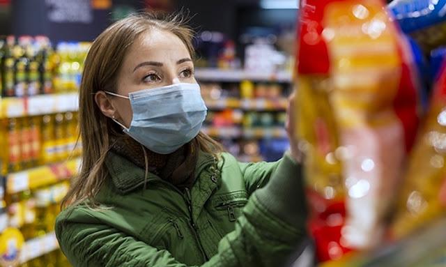 Mercados, farmacias y bancos estarán cerrados los domingos por restricción