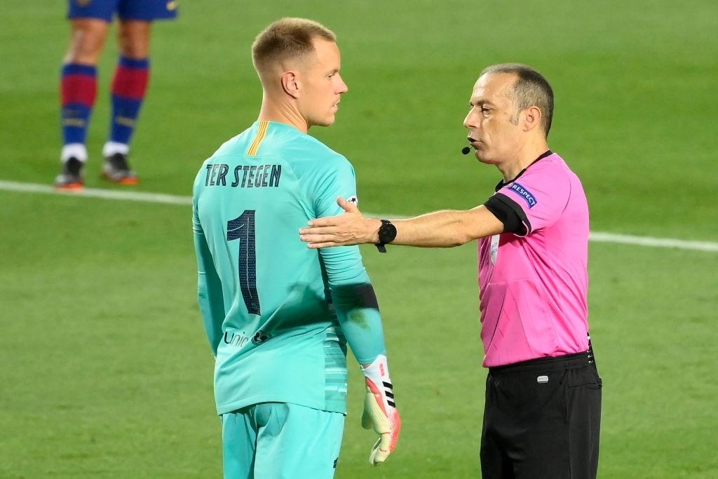 Thủ môn Barca bị chê chưa vươn đến 'đẳng cấp thế giới'