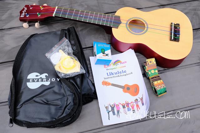 Everjoys Soprano Beginner Pack Ukulele extras