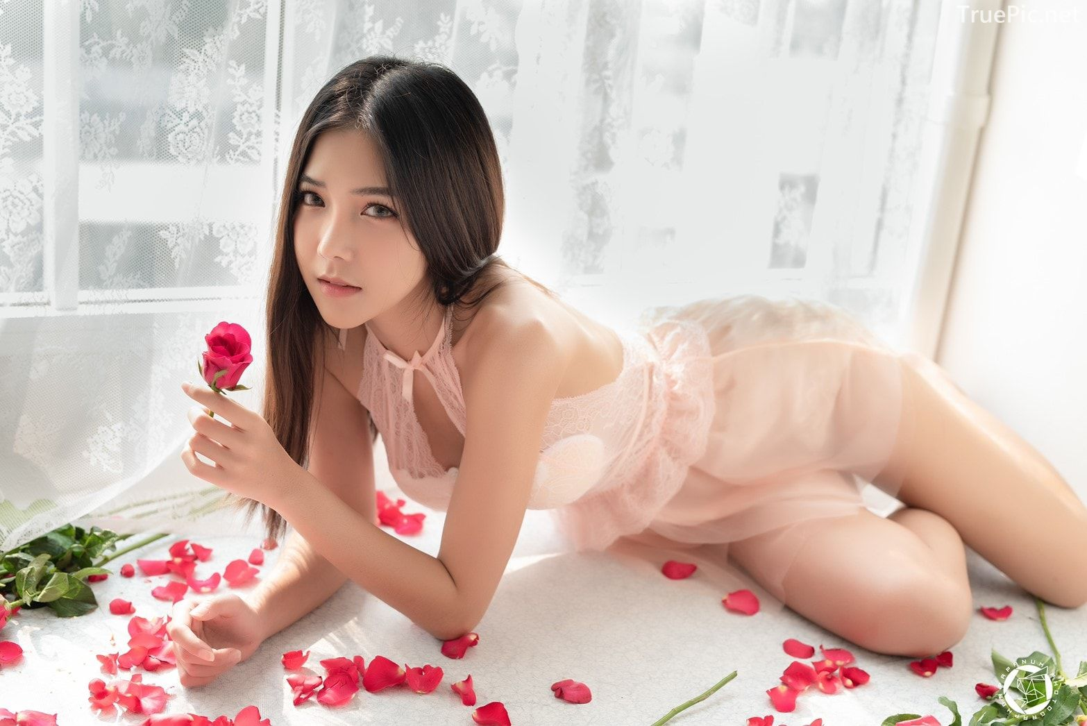 Thailand Model - Phitchamol Srijantanet - Roses for Lovers - TruePic.net - Picture 2