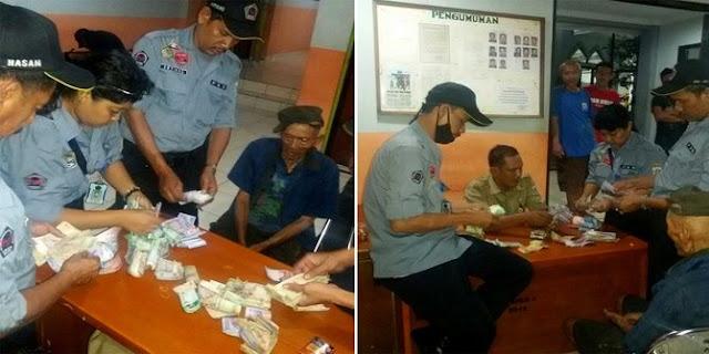Kakek Tua Bangka Mengemis Uangnya Dipakai Untuk Sewa PKS