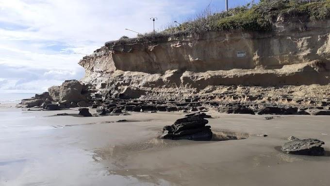 Após cair mais uma parte, Prefeitura de Tibau diz que vai isolar e sinalizar Pedra do Chapéu